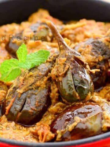 Gutti Vankaya kura-Stuffed brinjal curry