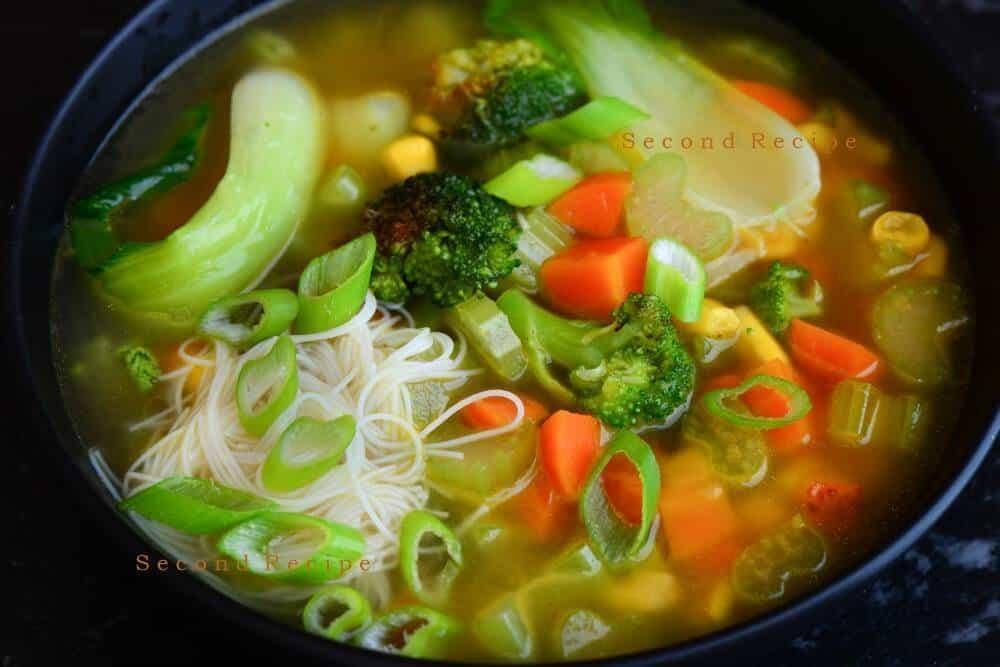 Rice Noodle soup(Vietnamese vegan pho)