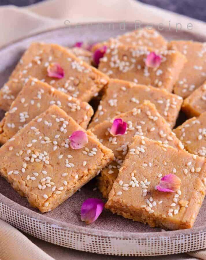 Til Mawa barfi - sesame fudge